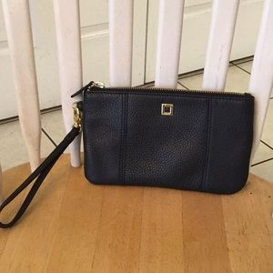 Handbags - Fashion wristlet